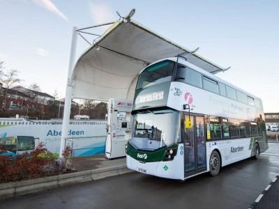 Aberdeen : quinze bus à impériale à hydrogène entrent en service