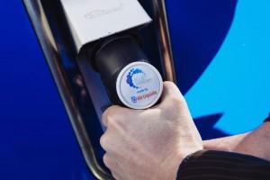 Hydrogène : Air Liquide va ouvrir en France la première station pour poids-lourds d'Europe