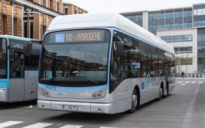 Yvelines : les premiers bus à hydrogène circulent à Versailles