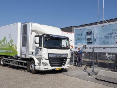 Pays-Bas : Le premier 27 tonnes à hydrogène prend la route