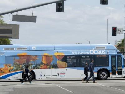Californie : 10 nouveaux bus à hydrogène et la plus grande station d'avitaillement des Etats-Unis