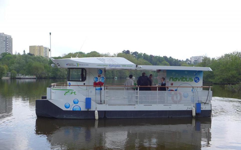 Nantes : passer l'Erdre avec la navette à hydrogène Jules Verne 2