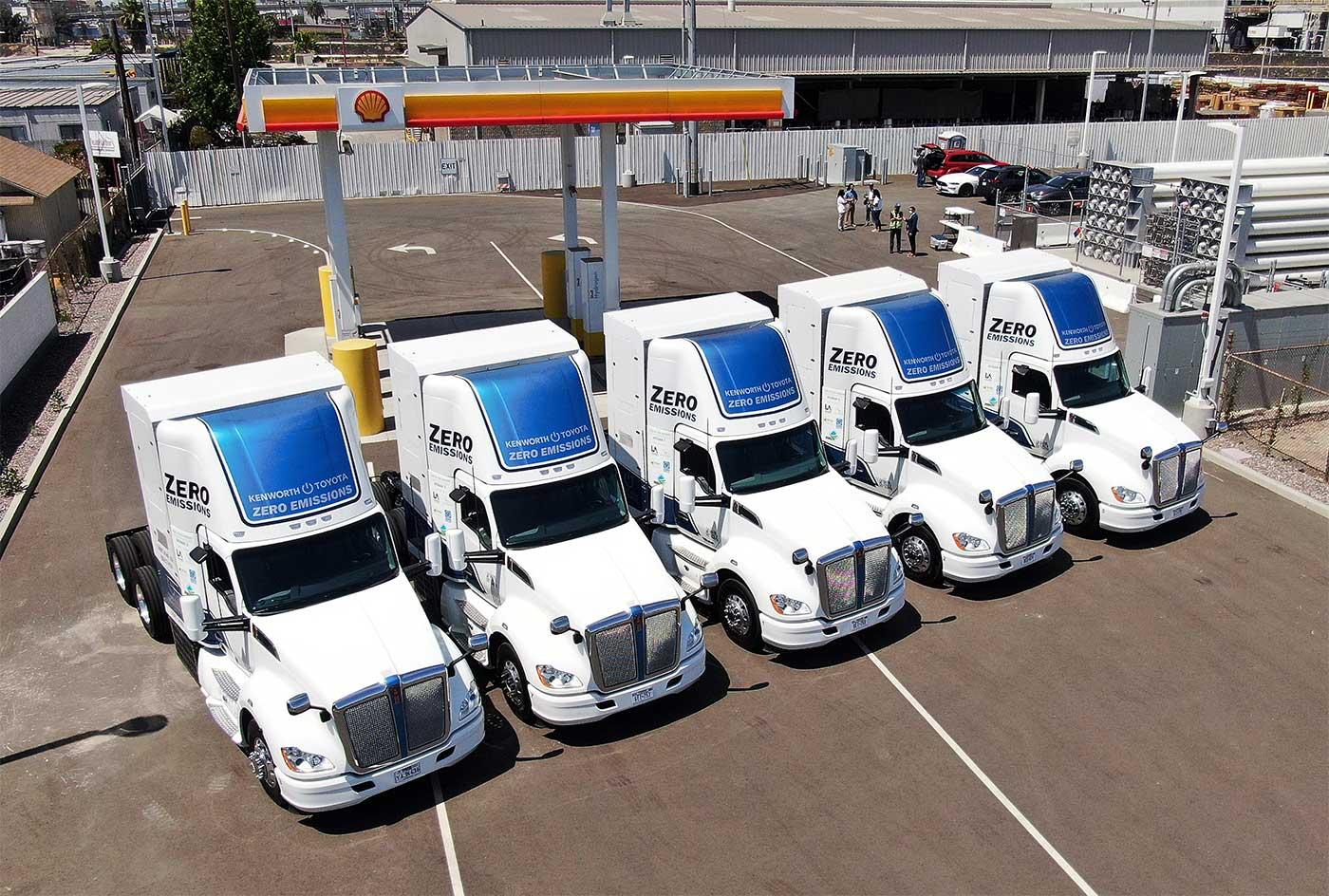 Cinq poids lourds à hydrogène livrés au port de Los Angeles