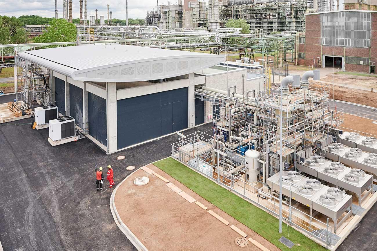 Hydrogène : cette raffinerie accueille le plus grand électrolyseur d'Europe